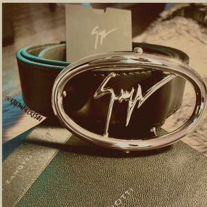 giuseppe zanotti BNIB brown belt with silver logo